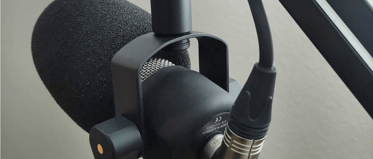 a Røde PodMic mounted at Røde psa1 with integrated summer cable